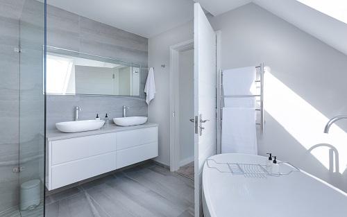 De badkamer verbouwen